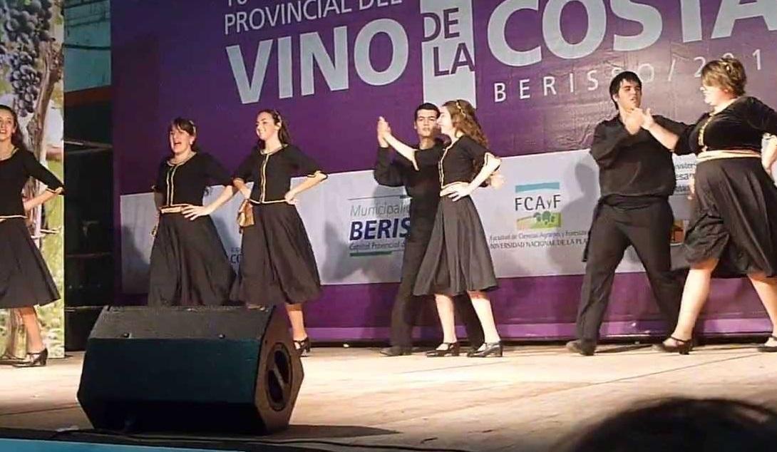 Fiesta del Vino de la Costa en Berisso4